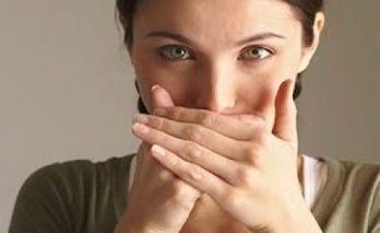 симптомы плохого запаха изо рта