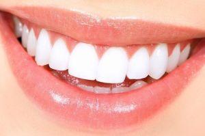 Красивая улыбка - ровные зубы